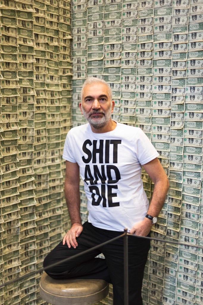 Gianni-Colosimo-ritratto-alla-mostra-Shit-and-Die-Torino-2015-photo-Renato-Ghiazza