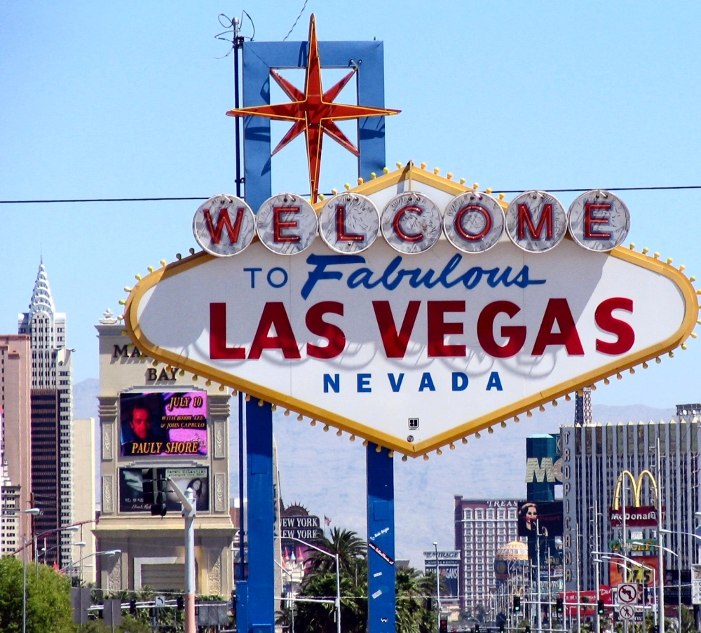las-vegas-coming-and-going-1-1517683